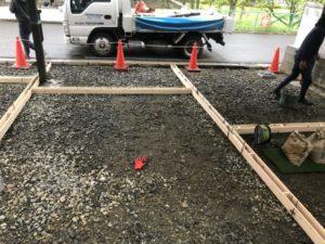 いよいよ終盤の駐車場の工事です。